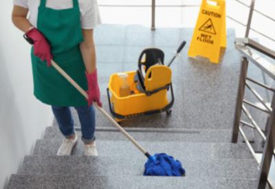 sprzątanie klatek schodowych, sprzątanie wspólnot, mycie elewacji, mycie okien 1
